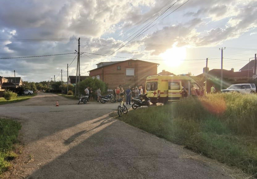 Под Тольятти подростки получили переломы в аварии мопеда и мотоцикла