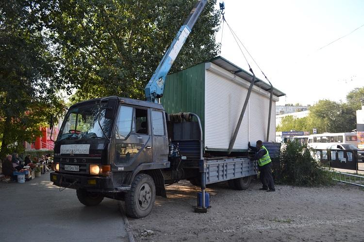 В Тольятти сносят ларьки, незаконно торгующие пивом