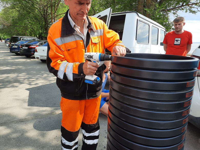Для мусорящих тольяттинцев поставили спецурны на набережной