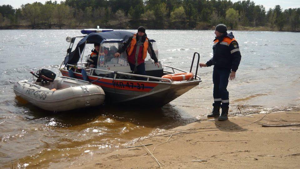 В Самарской области спасали детей на матрасе, которых унесло течением