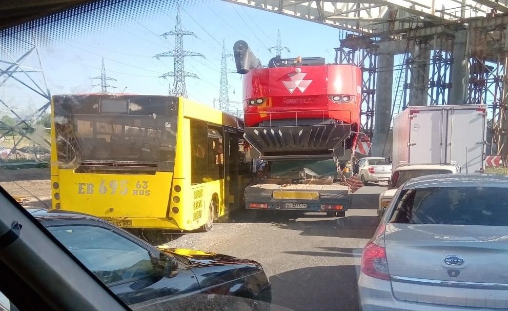 «Движения нет»: На Жигулевской ГЭС увеличивается многокилометровая пробка