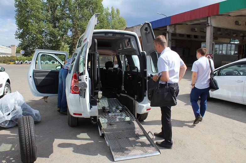 В Тольятти поступили «Ларгусы» для перевозки инвалидов