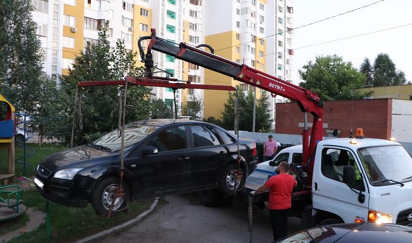 В Самарской области у бывшего чиновника забрали иномарку из-за долгов за тепло