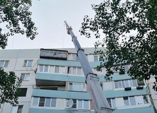 В Тольятти в жилом доме частично обрушилась кровля