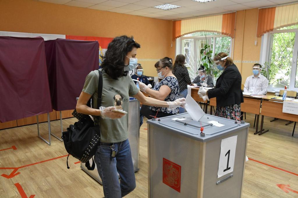 Жители Самарской области проявили высокую активность во время голосования по поправкам