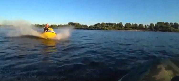 Следователи выясняют подробности столкновения гидроцикла и лодки в Тольятти