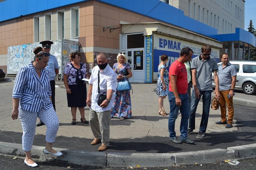 В Тольятти проверили качество ремонта дороги на бульваре Ленина