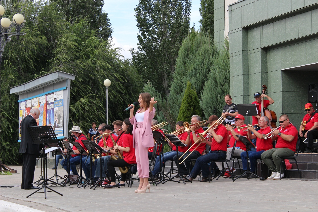 В Тольятти состоялся первый концерт проекта «Звезды площади Искусств»