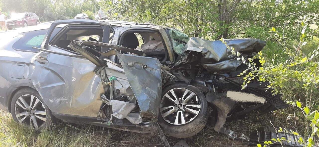 В страшной аварии в Самарской области погибли 5 человек