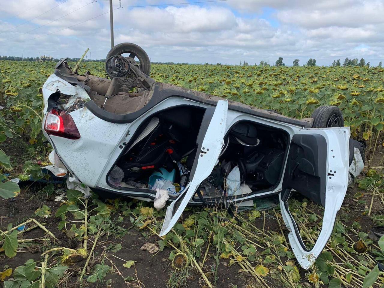 В Самарской области подросток погиб в перевернувшейся машине