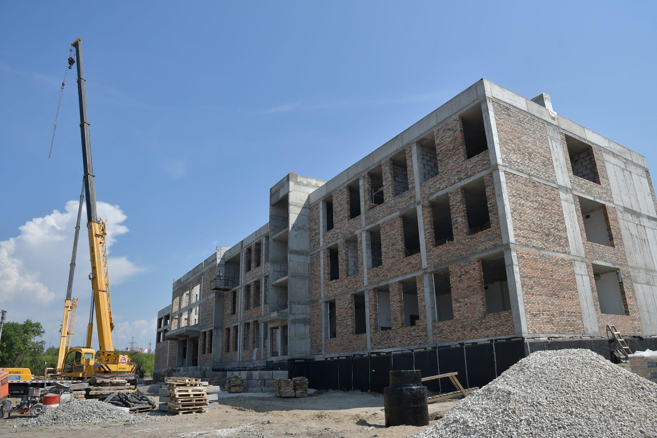 В Самаре строители школы на 5 просеке бьют рекорды