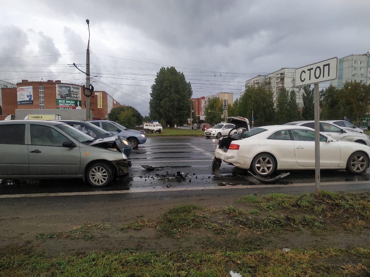 Трехлетний ребенок пострадал в аварии в Тольятти