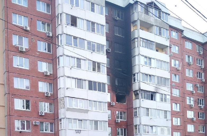 Ночью в Тольятти во время пожара в доме спасли 16 человек