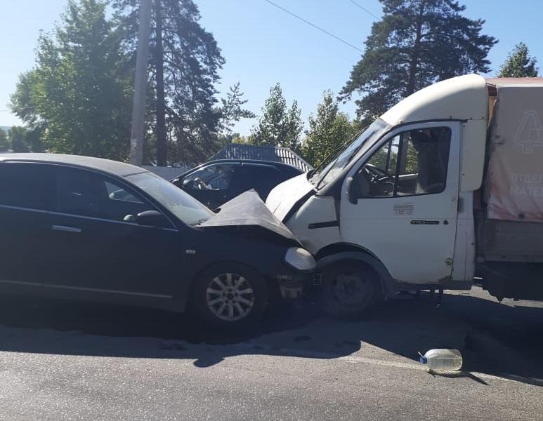 В Тольятти в лобовом столкновении машин погиб водитель