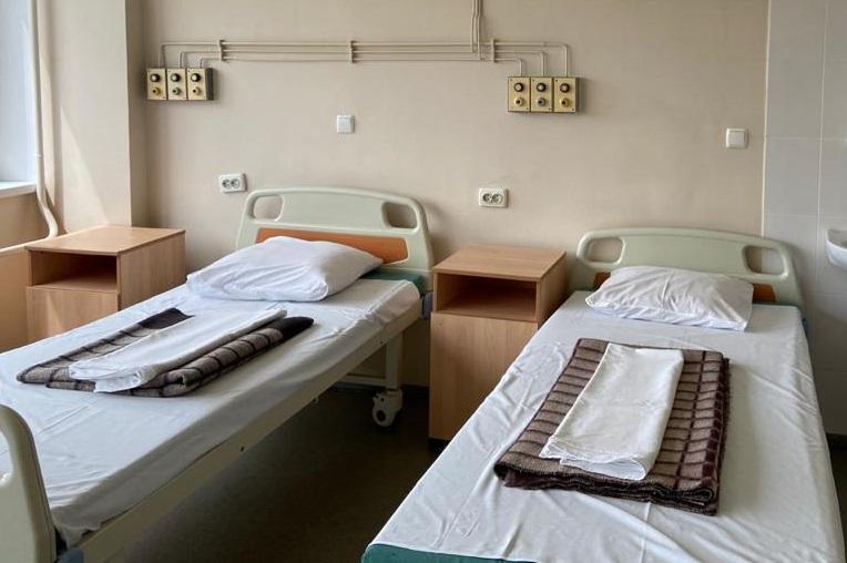 В России коечный фонд для больных COVID-19 занят почти на 90%