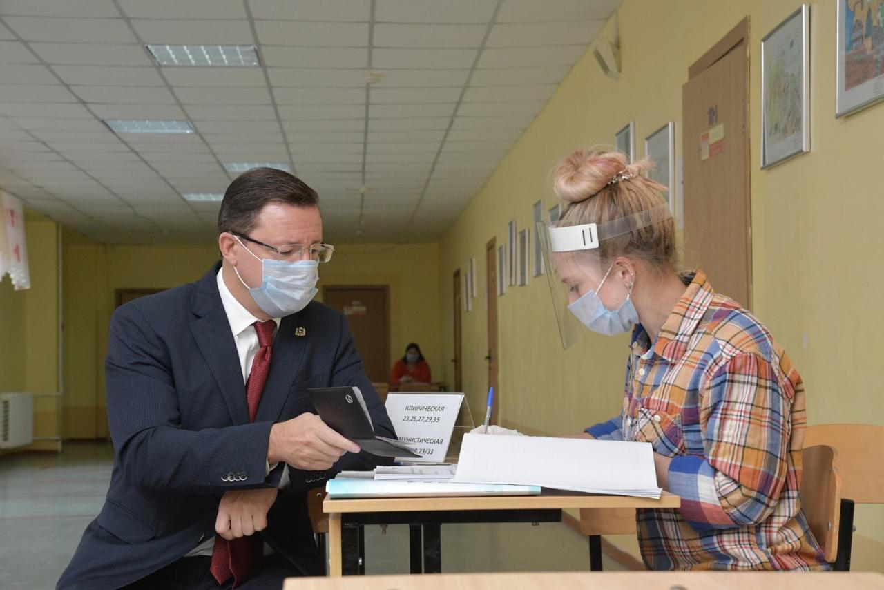 Азаров о выборах: «Муниципальная власть – это власть, самая близкая к народу»