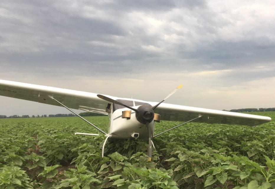 В Самарской области самолет совершил вынужденную посадку