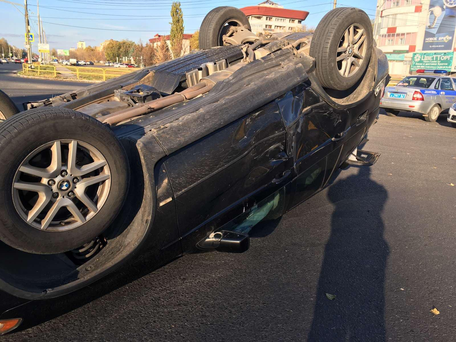 В Тольятти девушка пострадала в жесткой аварии двух «БМВ»