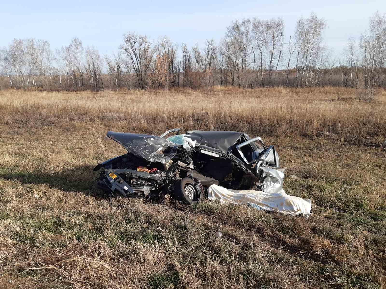 Машину смяло: На трассе в Самарской области погиб водитель