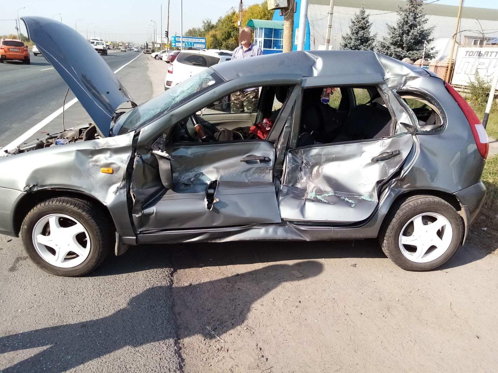 В Тольятти водитель «Камаза» устроил аварию с легковушками