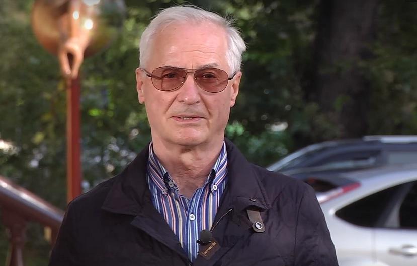 Николай Ренц объяснил, почему некоторых заболевших пневмонией не везут в больницу