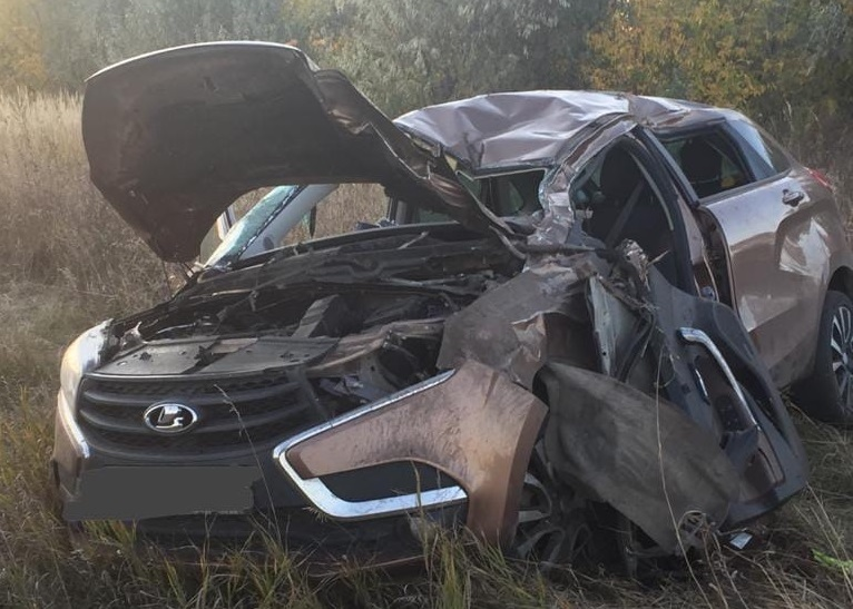 Вылетели в окна: В Тольятти два человека попали в жесткую аварию