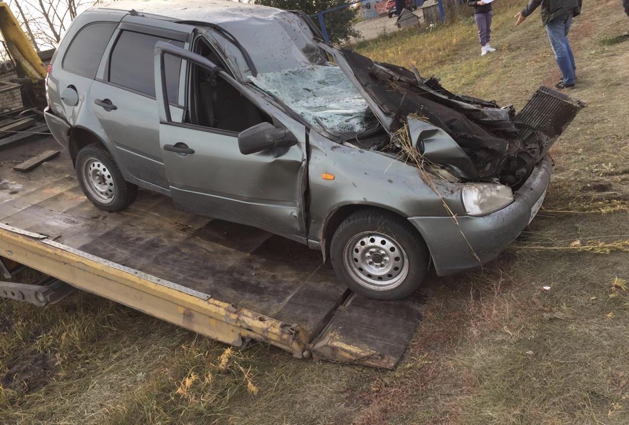 Под Тольятти на трассе водитель врезался в бетонный блок и погиб