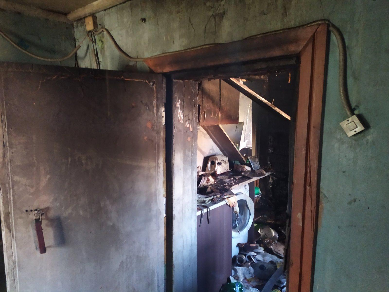 В Тольятти пожарные тушили частный дом, в котором были дети