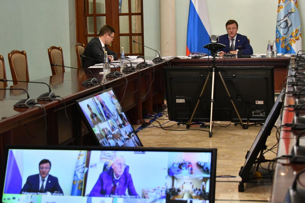 Азаров: «В работе по решению вопросов обманутых дольщиков пауз быть не должно»