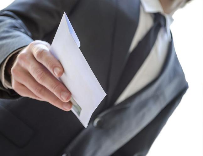Прокуратура разъясняет: Чем «откат» отличается от взятки