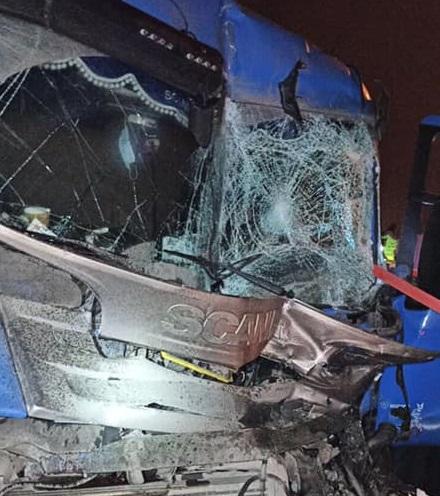 В Тольятти на М-5 столкнулись грузовики. Пострадал человек