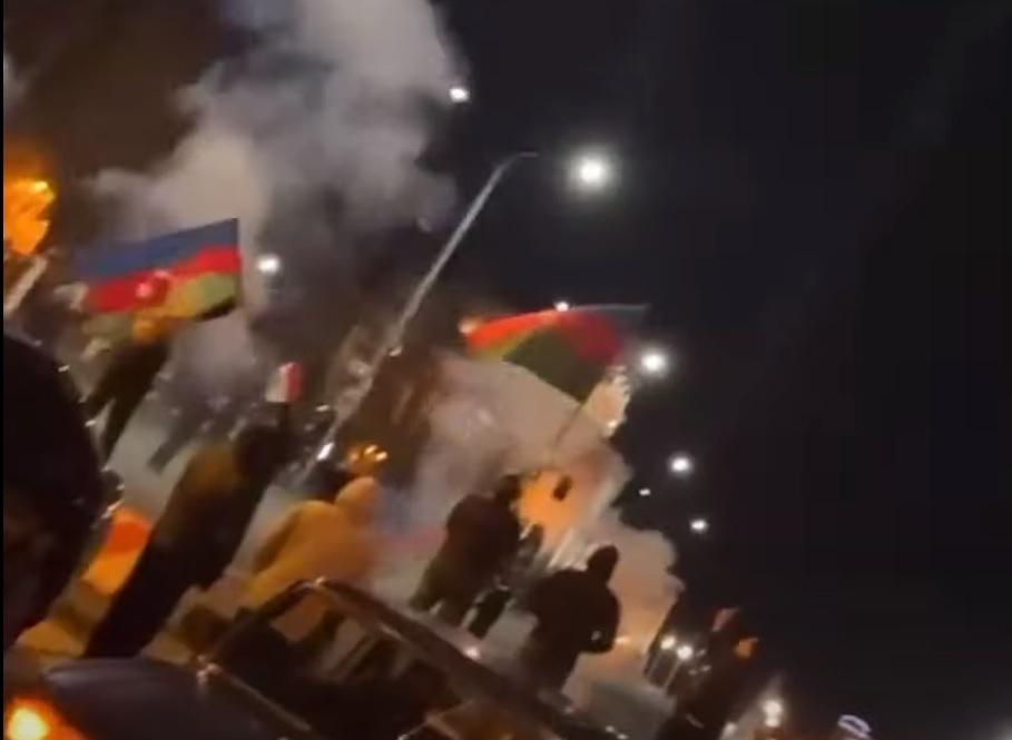 В Самаре из-за акции с флагами Азербайджана задержаны 10 человек