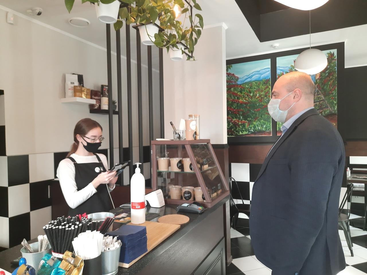 Тольяттинский бизнес попросит Азарова не вводить ограничения для общепита