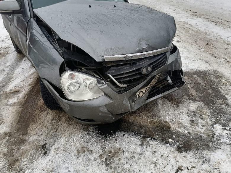 Ребенок попал в больницу после аварии машин под Тольятти