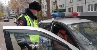 В Тольятти инспектор ДПС помог задержать грабителя