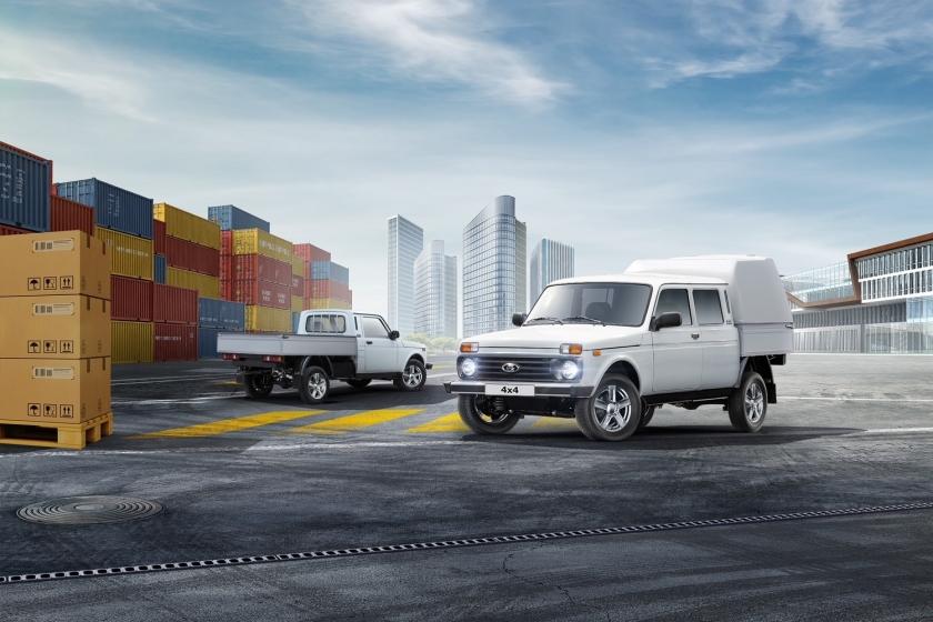 АВТОВАЗ представил обновленные фургоны LADA 4×4