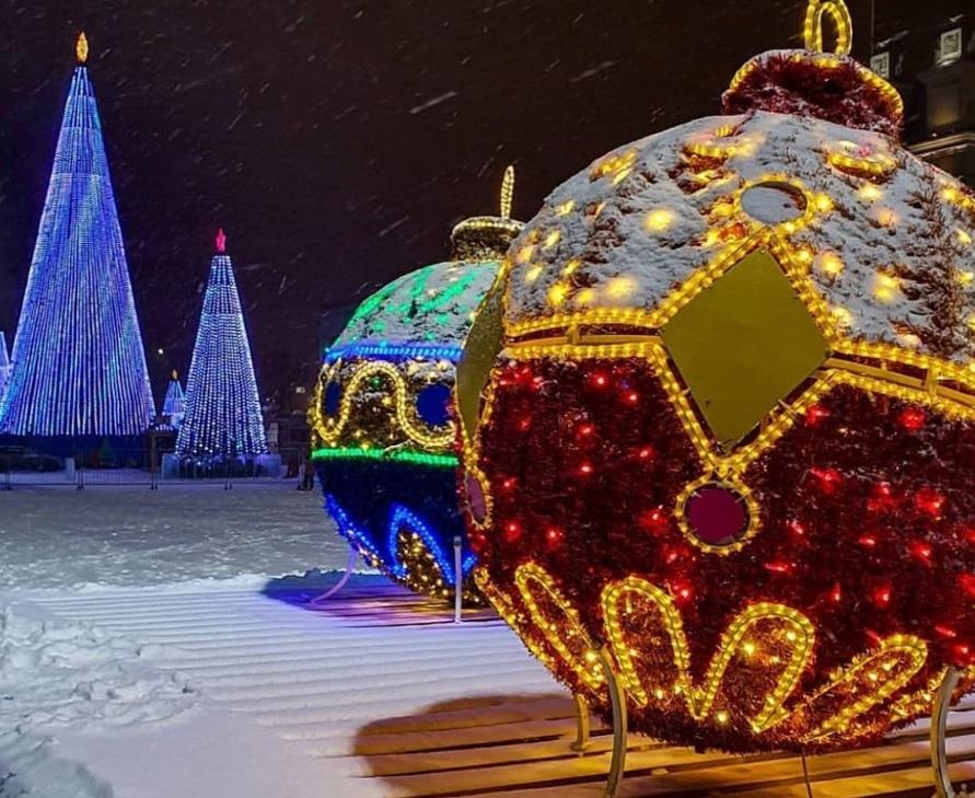 Дмитрий Азаров рекомендовал бизнесу сделать 31 декабря выходным