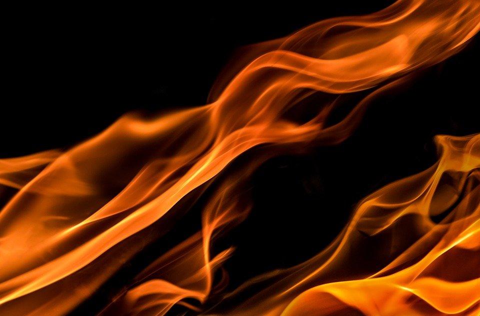 На пожаре в частном доме в Тольятти погиб мужчина