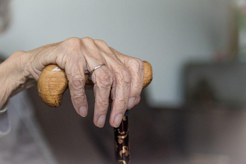 Для жителей Самарской области старше 65 лет готовят новые ограничения