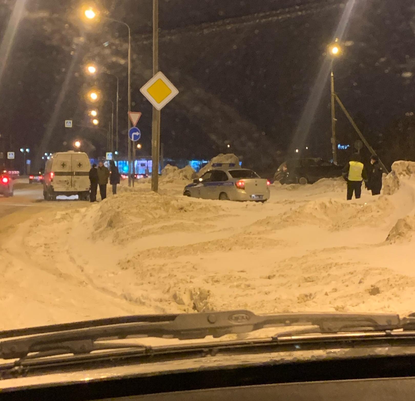 В Тольятти автомобиль съехал в сугроб. Водитель погиб