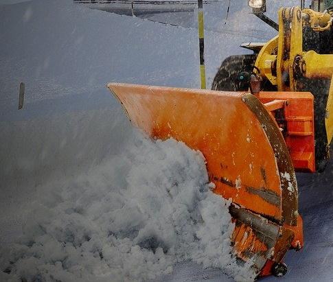 Прокуратура нашла нарушения на временных складах снега в Тольятти