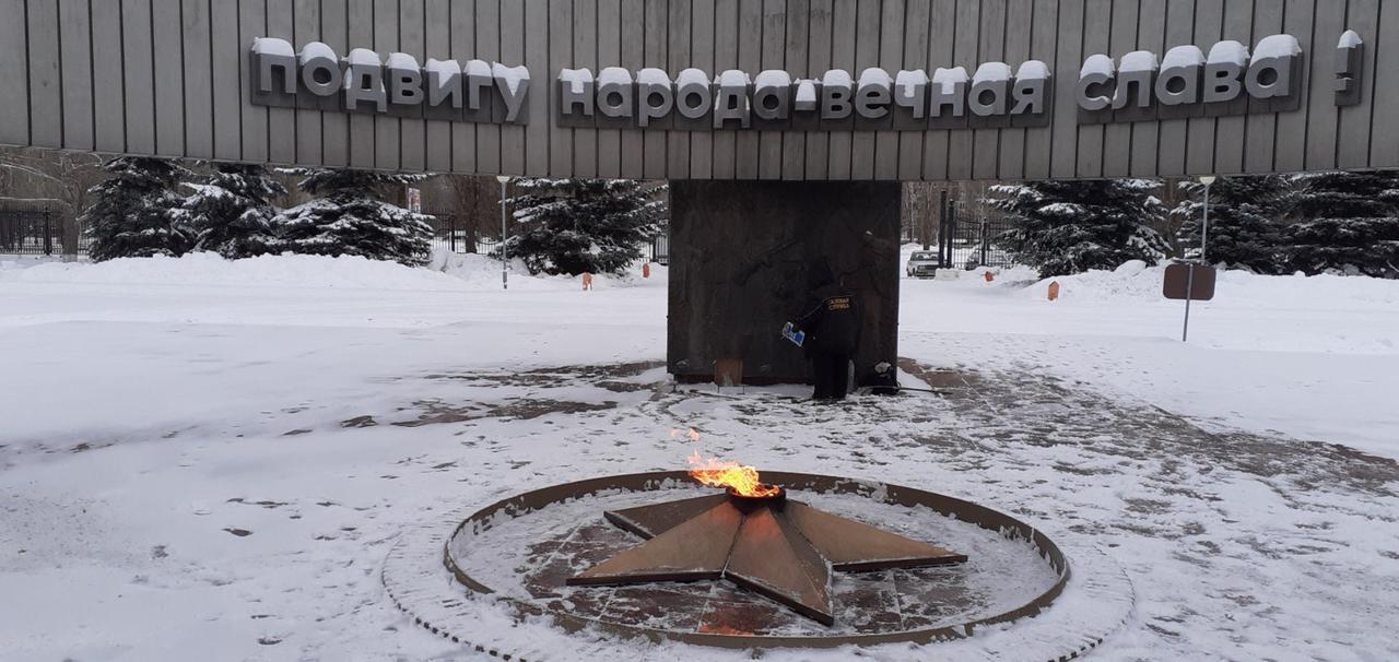 Вандалы, повредившие Вечный огонь в Тольятти, попали на видеокамеры