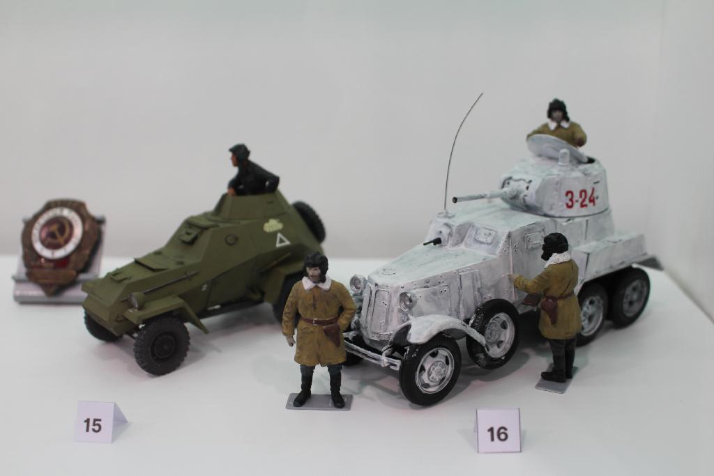 Выставка масштабных моделей «Русские танки»