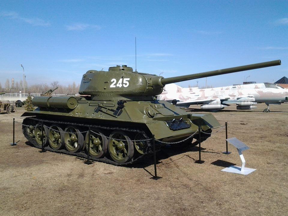 Военный экспонат. Выпуск № 3 (танк Т-34»)