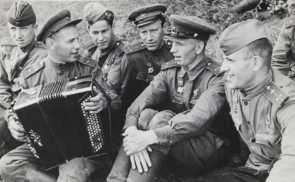 Городской фестиваль военной песни хоровых коллективов школ «Я помню тебя, мой прадед!»