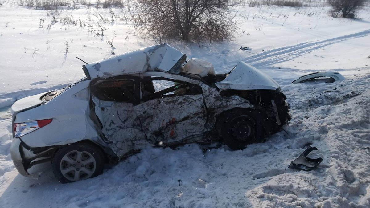 В Самарской области на трассе «Лада» смяла иномарку. Погиб человек