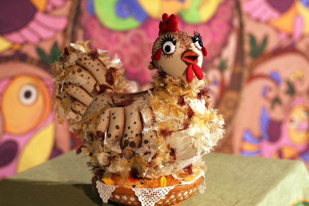 Спектакль «Про курочку Рябу, яйцо золотое и счастье простое»