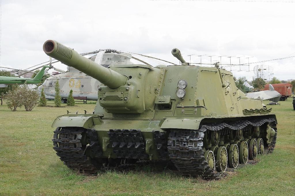 Военный экспонат. Самоходка ИСУ-152 №6