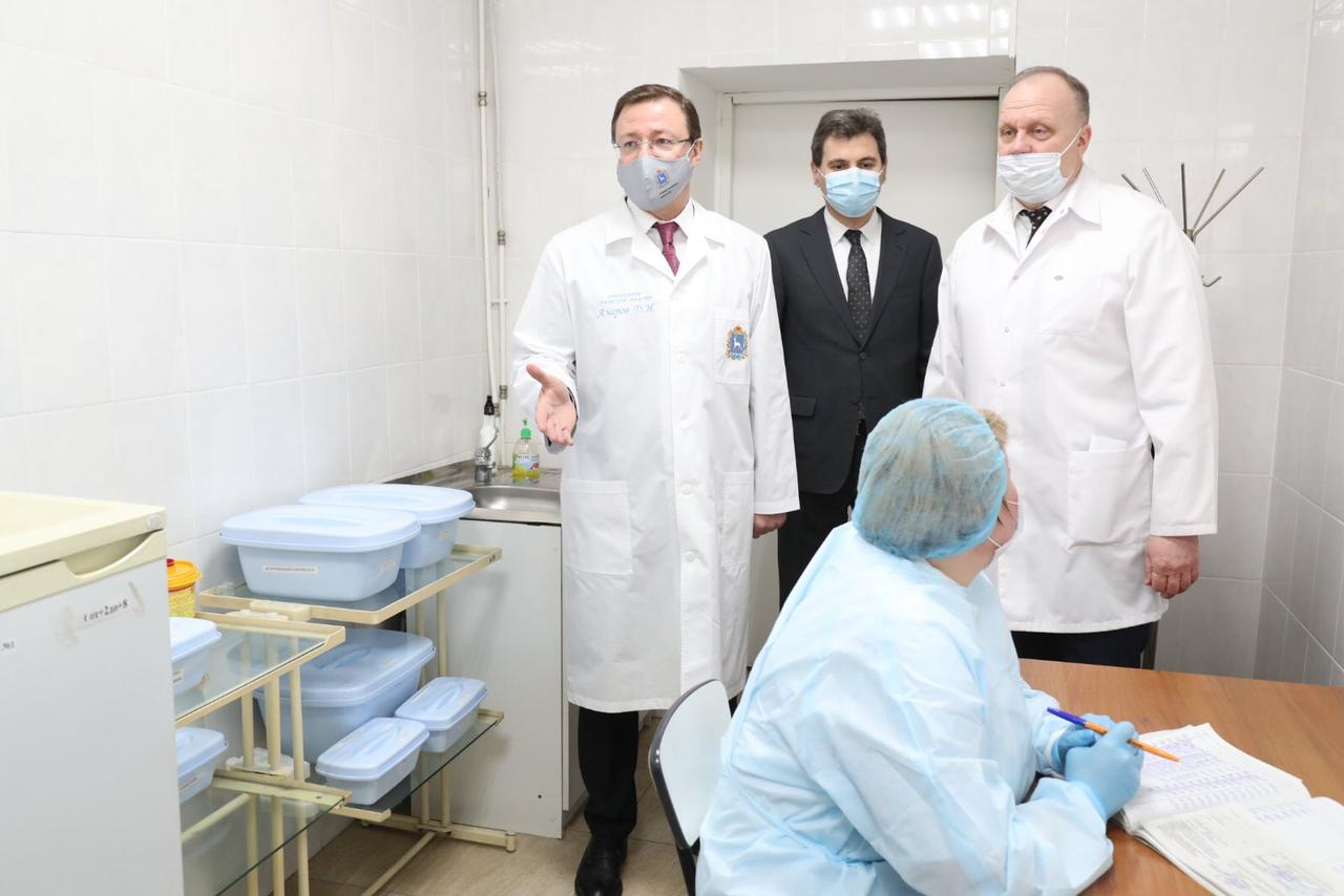 «Желающих очень много»: 91 тысяча жителей Самарской области сделали прививки от COVID-19