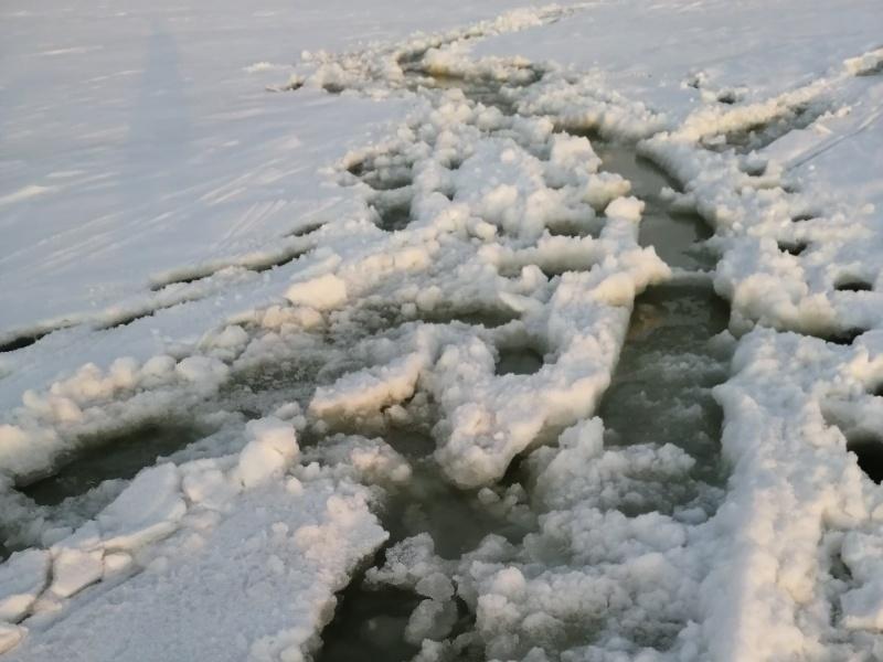 Акватория Волги в Тольятти становится небезопасной